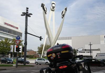 kurzer Stopp am Porsche-Museum